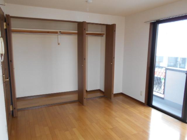 メゾン・ド・華 301号室の収納