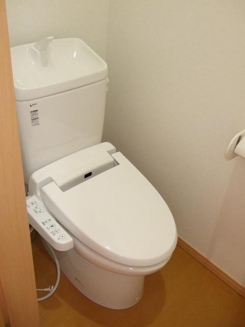 第12アーベルハイツ 103号室のトイレ