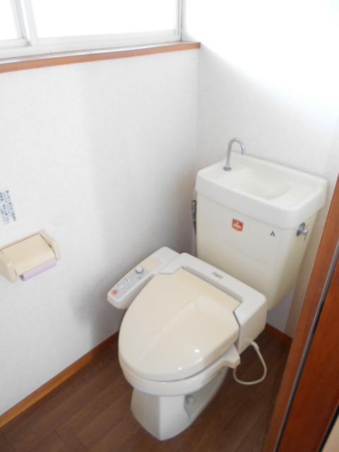 サンライズ88 201号室のトイレ