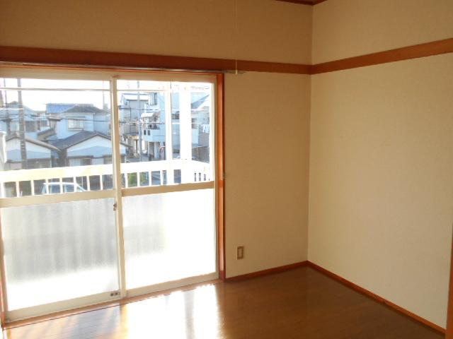 プライムコート 203号室の居室