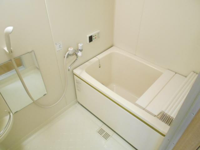 メゾネットAの風呂