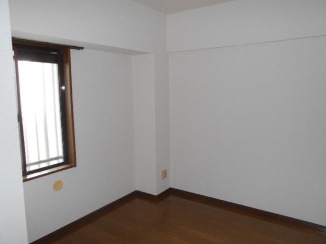 エテルノ豊春 102号室の居室