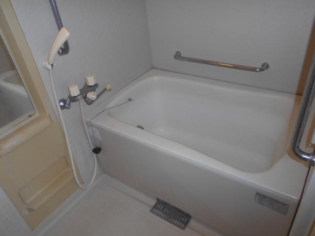 エテルノ豊春 102号室の風呂