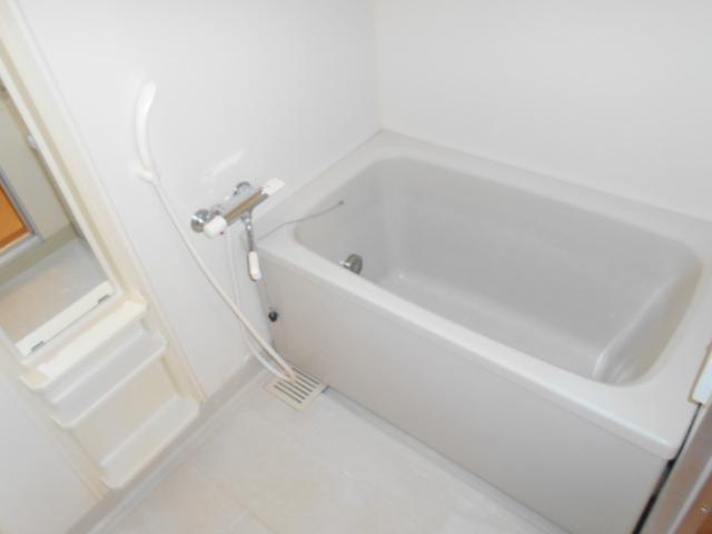 エレガンス春日部 106号室の風呂