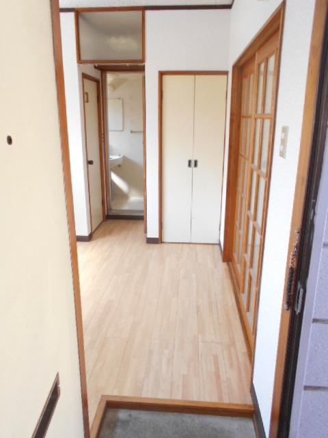 田園ハイネス B号室の玄関