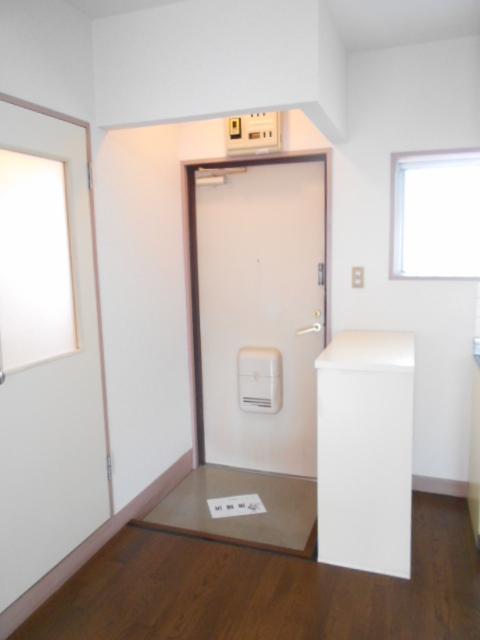 セルアーモ北春日部白石Ⅰ 203号室の玄関