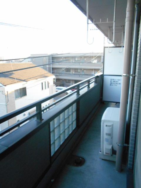 第2ロイヤル島田 303号室のバルコニー
