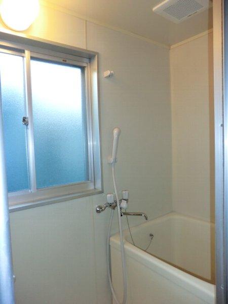 サンマイト小渕 202号室の風呂