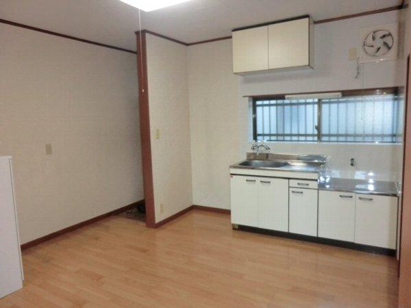 サンマイト小渕 202号室のキッチン