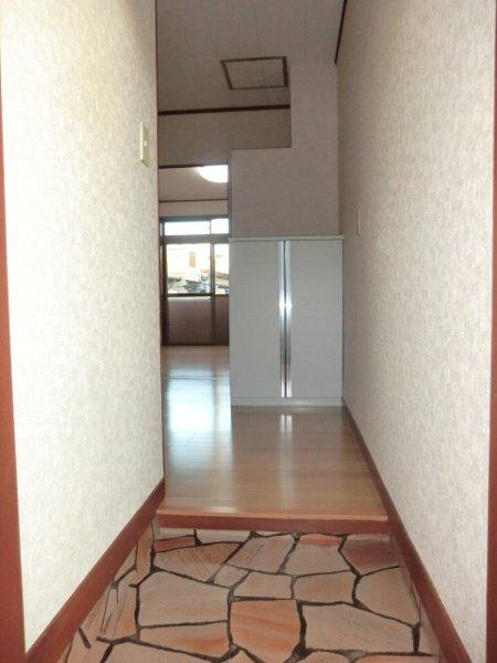 サンマイト小渕 202号室の玄関