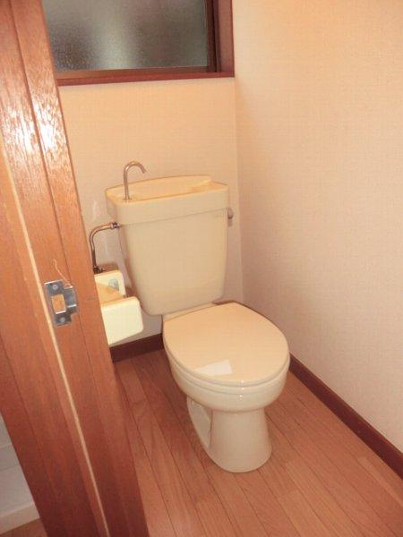 サンマイト小渕 202号室のトイレ