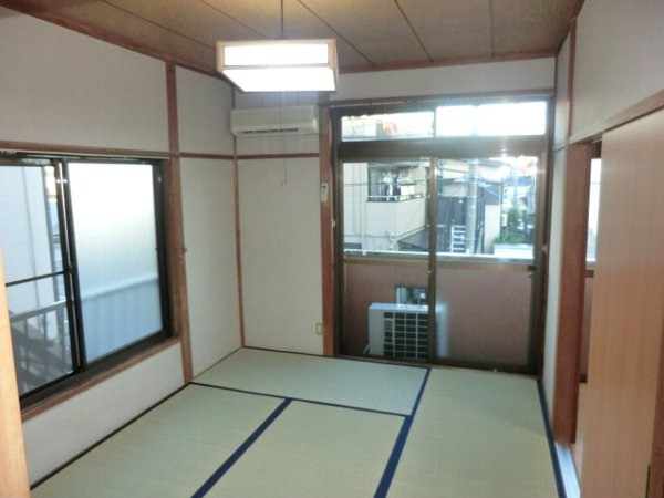 サンマイト小渕 202号室の居室