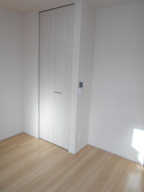 セジュールウィット大池Ⅱ 205号室のリビング