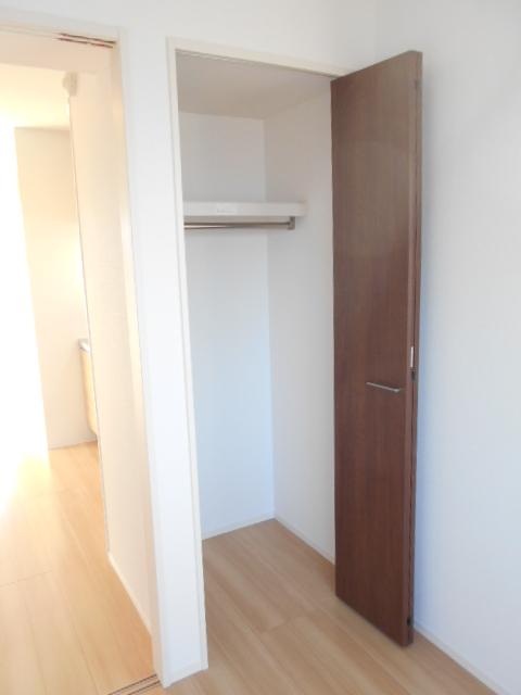 メルヴェーユ 301号室の収納