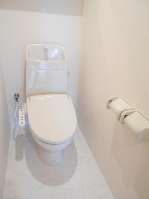 プリシェット 102号室のトイレ