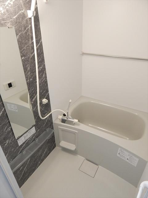 モーヴ粕壁東 201号室の風呂