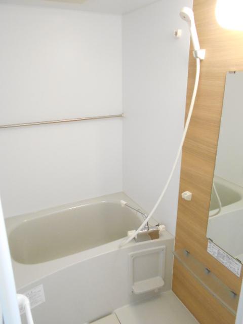 モーヴ粕壁東 602号室の風呂