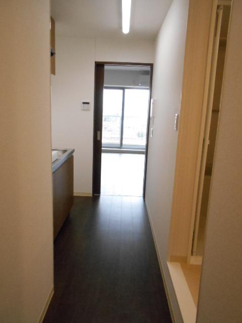 モーヴ粕壁東 602号室の玄関