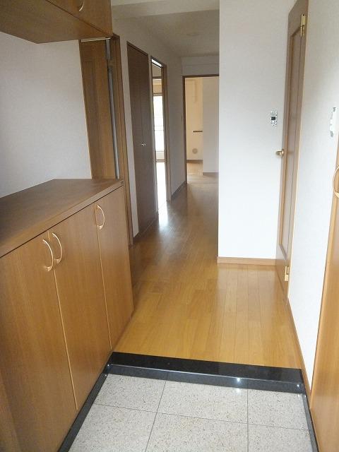 G1ステイツ 402号室の玄関