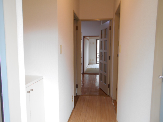 たまプラーザソフィーナ 102号室の玄関