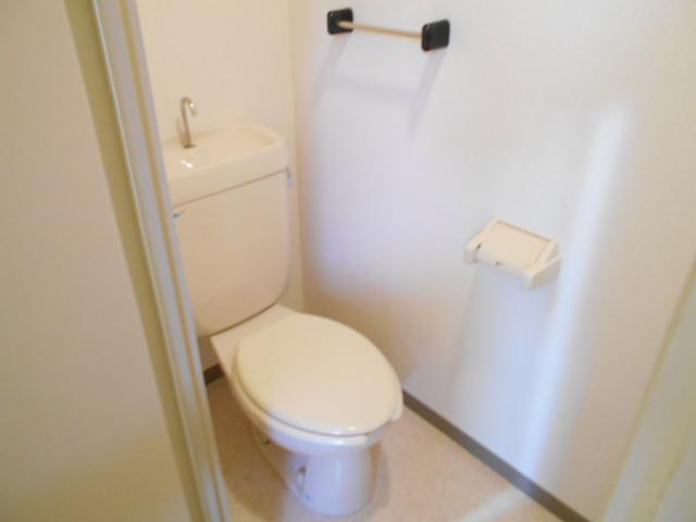 たまプラーザソフィーナ 102号室のトイレ