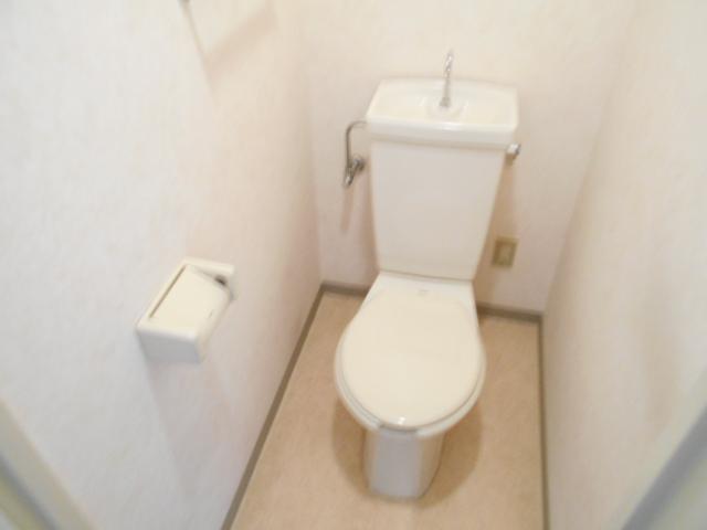 ガーデン鷺沼 103号室のトイレ
