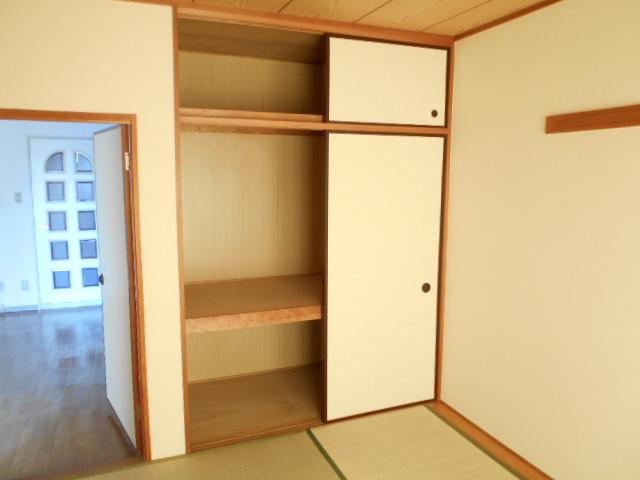 ガーデン鷺沼 103号室の収納