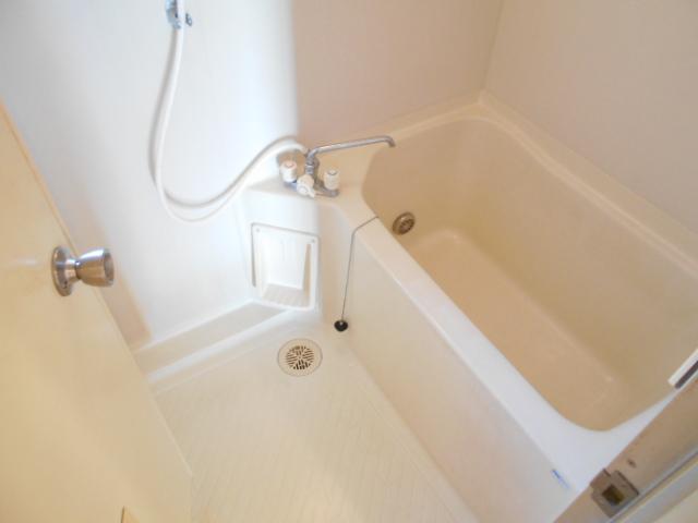 ガーデン鷺沼 103号室の風呂