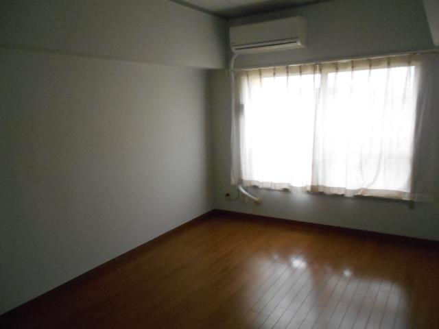 藤が丘団地7号棟 723号室の居室