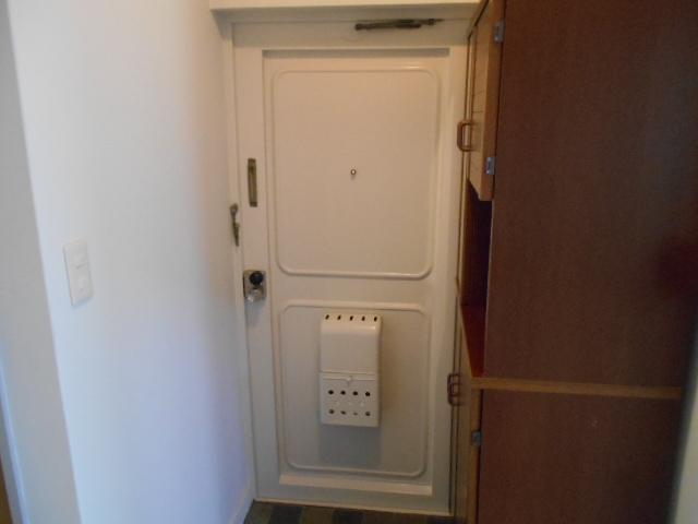 藤が丘団地7号棟 723号室の玄関