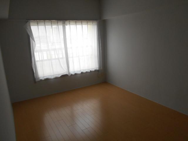藤が丘団地7号棟 752号室の居室