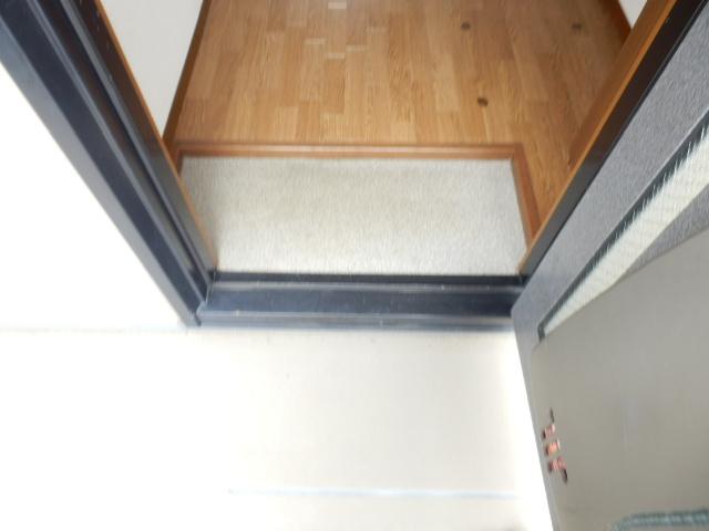 アルカディア宮崎台 202号室の玄関