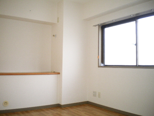 メルグリーン中川 101号室の居室