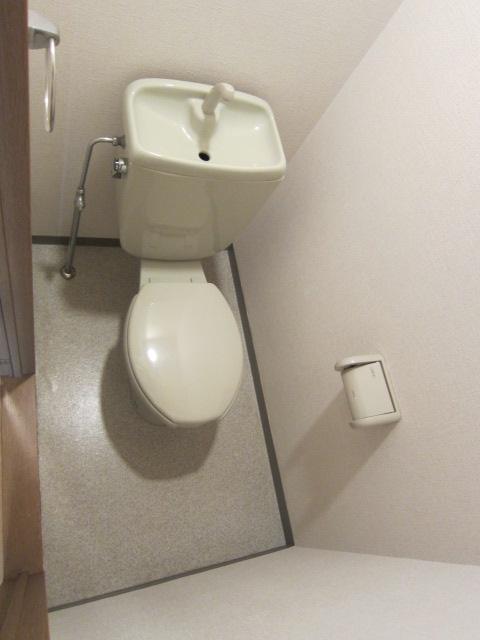 アーネット西船橋 706号室のトイレ