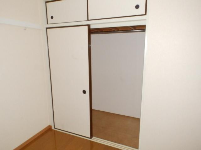 サニーコートカノウB 101号室の収納