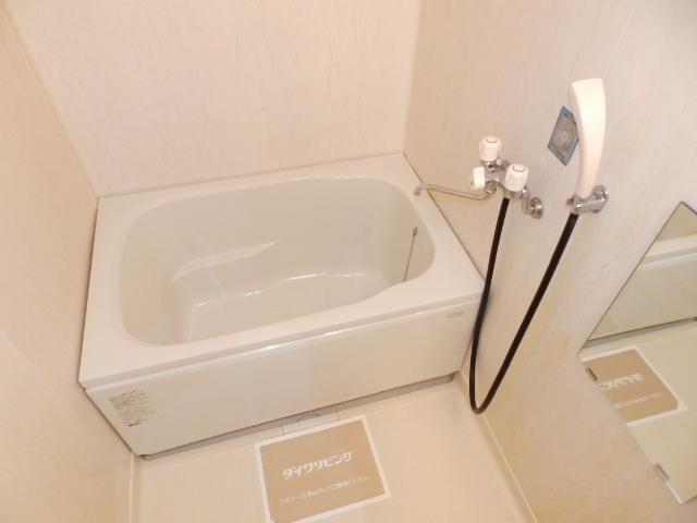 サニーコートカノウB 101号室の風呂