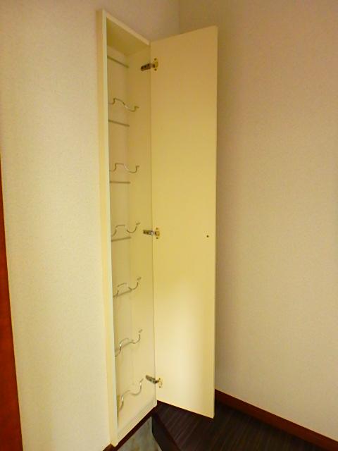 ドールハウス B101号室の収納