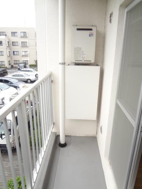 ガーデンタウン本中山 301号室のバルコニー