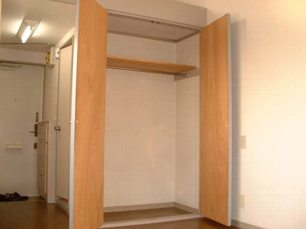 ロワール実籾 206号室の収納