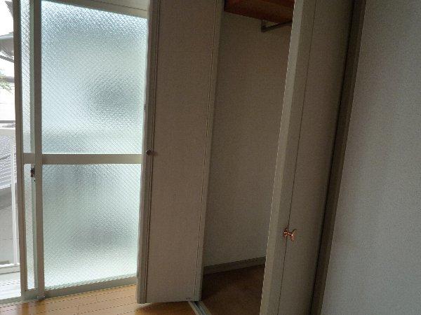 ロワール実籾 206号室のリビング