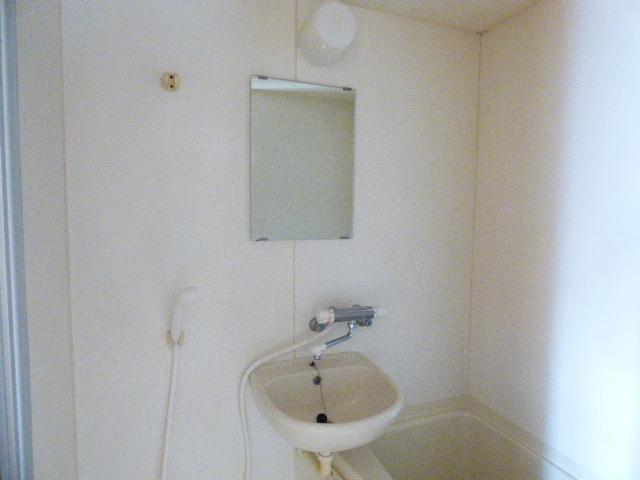 ローズパル 202号室の洗面所