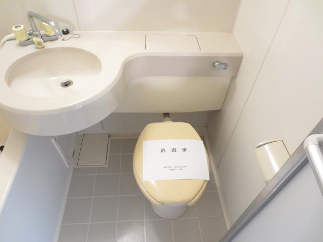 シティクレスト津田沼 211号室のトイレ
