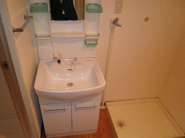 タカソープラザ 205号室の洗面所