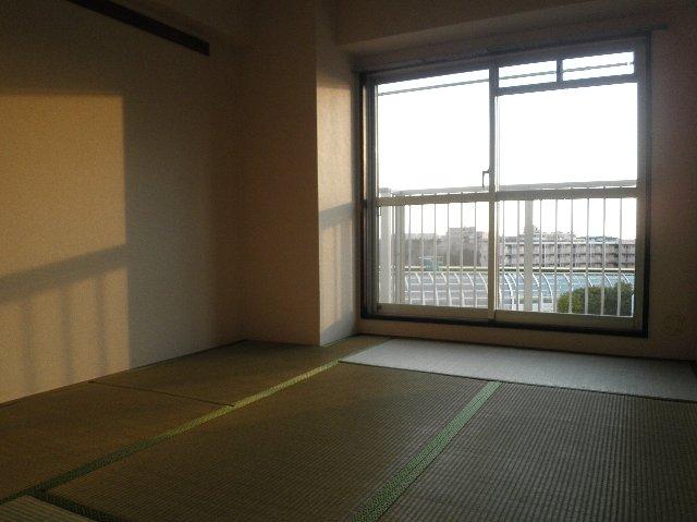 タカソープラザ 205号室のリビング