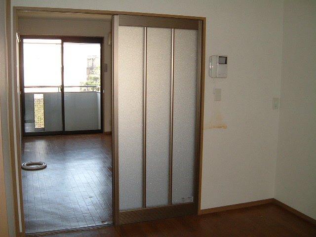 エスペランサ前原 101号室のリビング