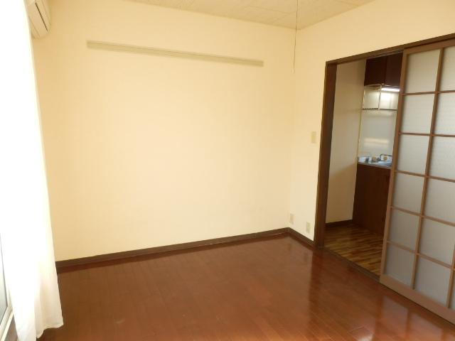 ヒルズミヤマ 202号室の居室
