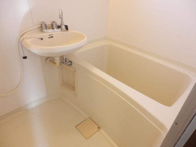 ヒルズミヤマ 202号室の風呂