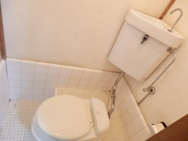 大久保マンション 206号室のトイレ