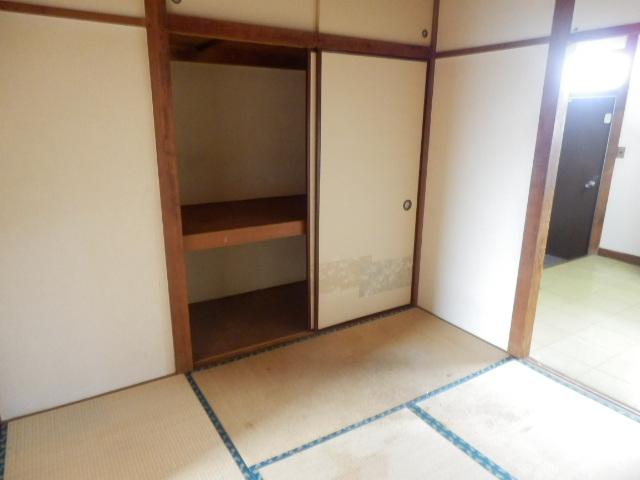 大久保マンション 206号室の収納