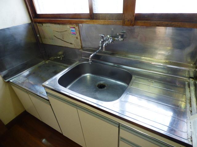 大久保マンション 206号室のキッチン